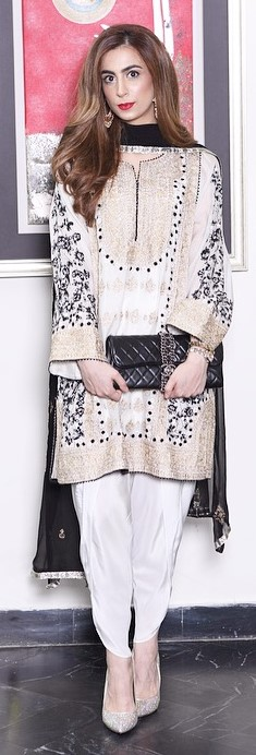 keeping-it-traditional-and-beautiful-in-a-maison-de-lace-shalwar-kameez