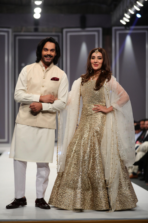 gohar-rasheed-and-aisha-khan-for-natasha-kamal-copy-2