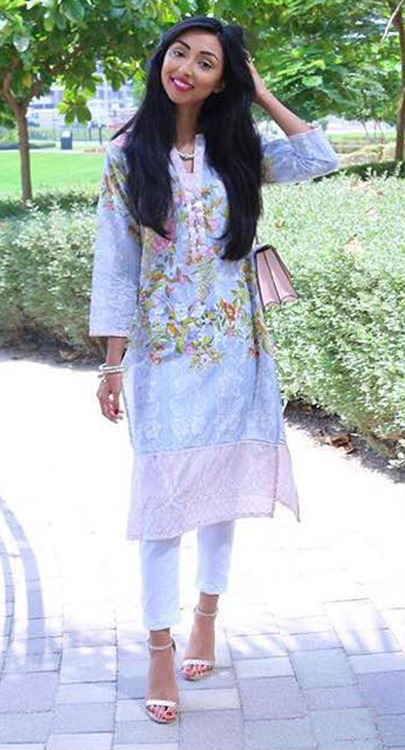 rocking-that-khaadi-outfit-to-perfection