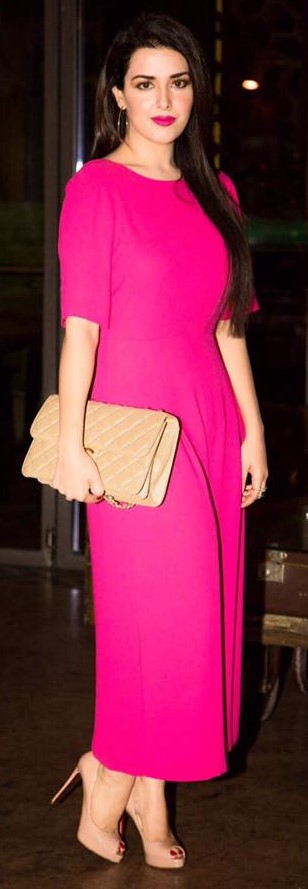 dares-to-make-a-statement-in-a-bold-fuchsia-number