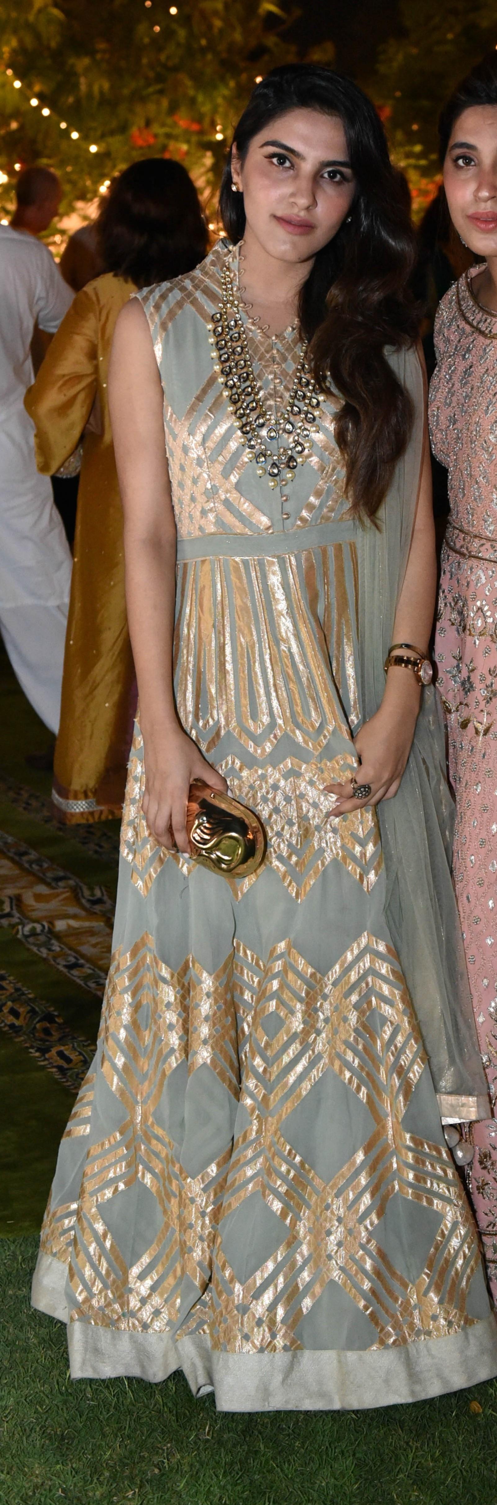 Nikhar Riaz - Our golden girl looks gorgeous in Sehrish Rehan