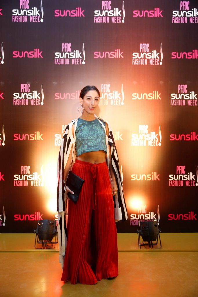 Zara Khan (1)