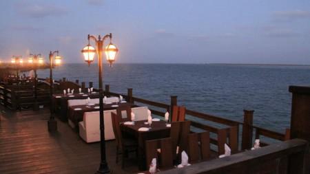 Kolachi-Spirit-of-Karachi-Restaurant-at-Do-Darya-DHA-Karachi-1-450x253