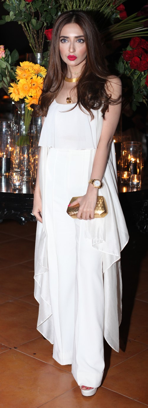 fatima-kasuri-all-white-all-right
