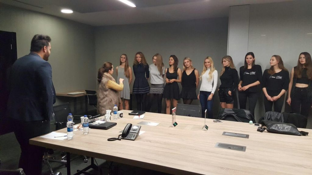 choosing-the-models-for-the-shoot