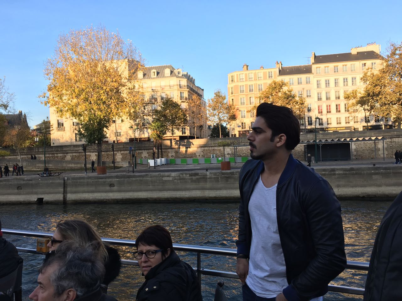 my-favourite-part-of-paris-the-view-from-the-boat-on-the-siene