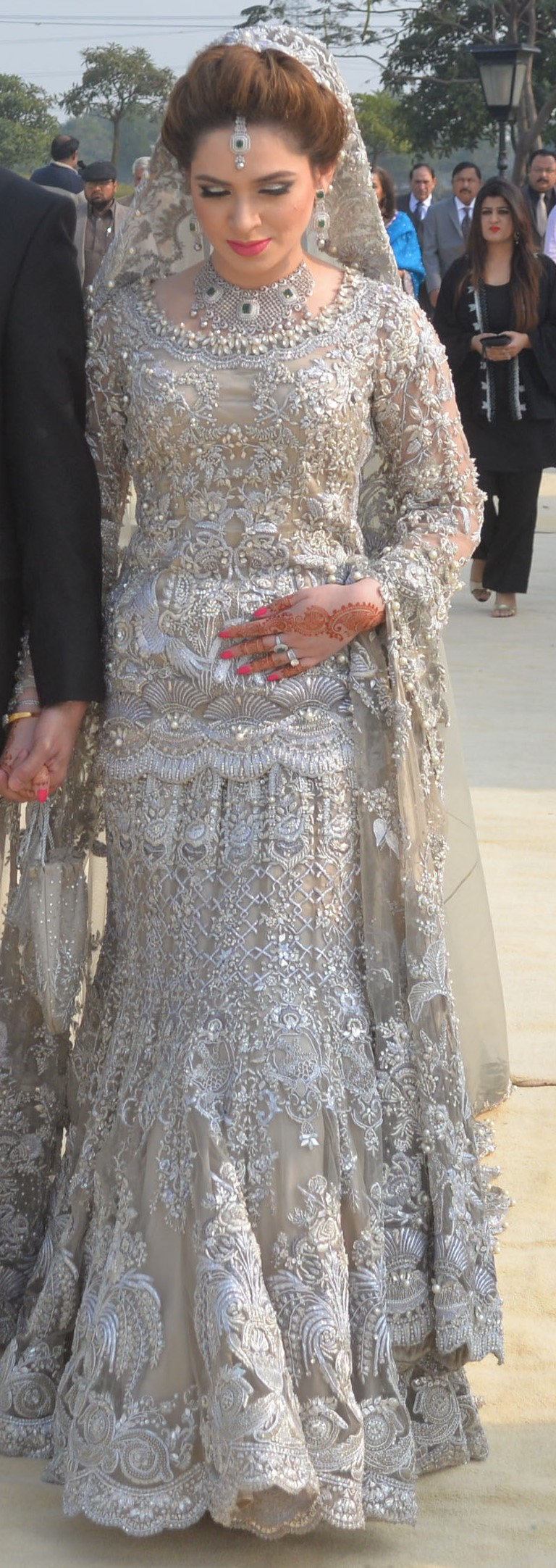 Jia Habib - A true princess at her wedding in Elan!