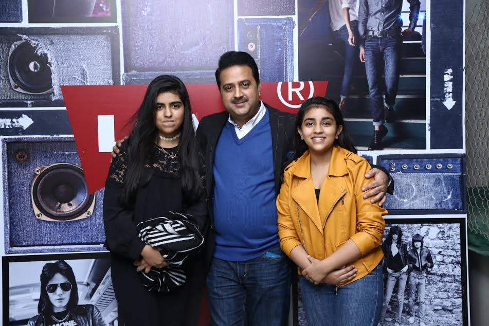 Murshed Ali with Daughters