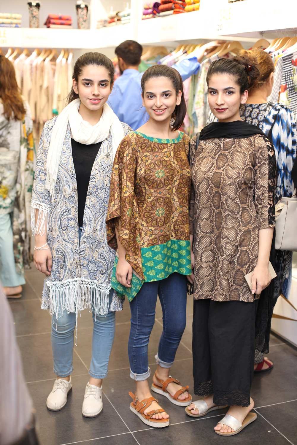 Wasta, Warda and Khadija