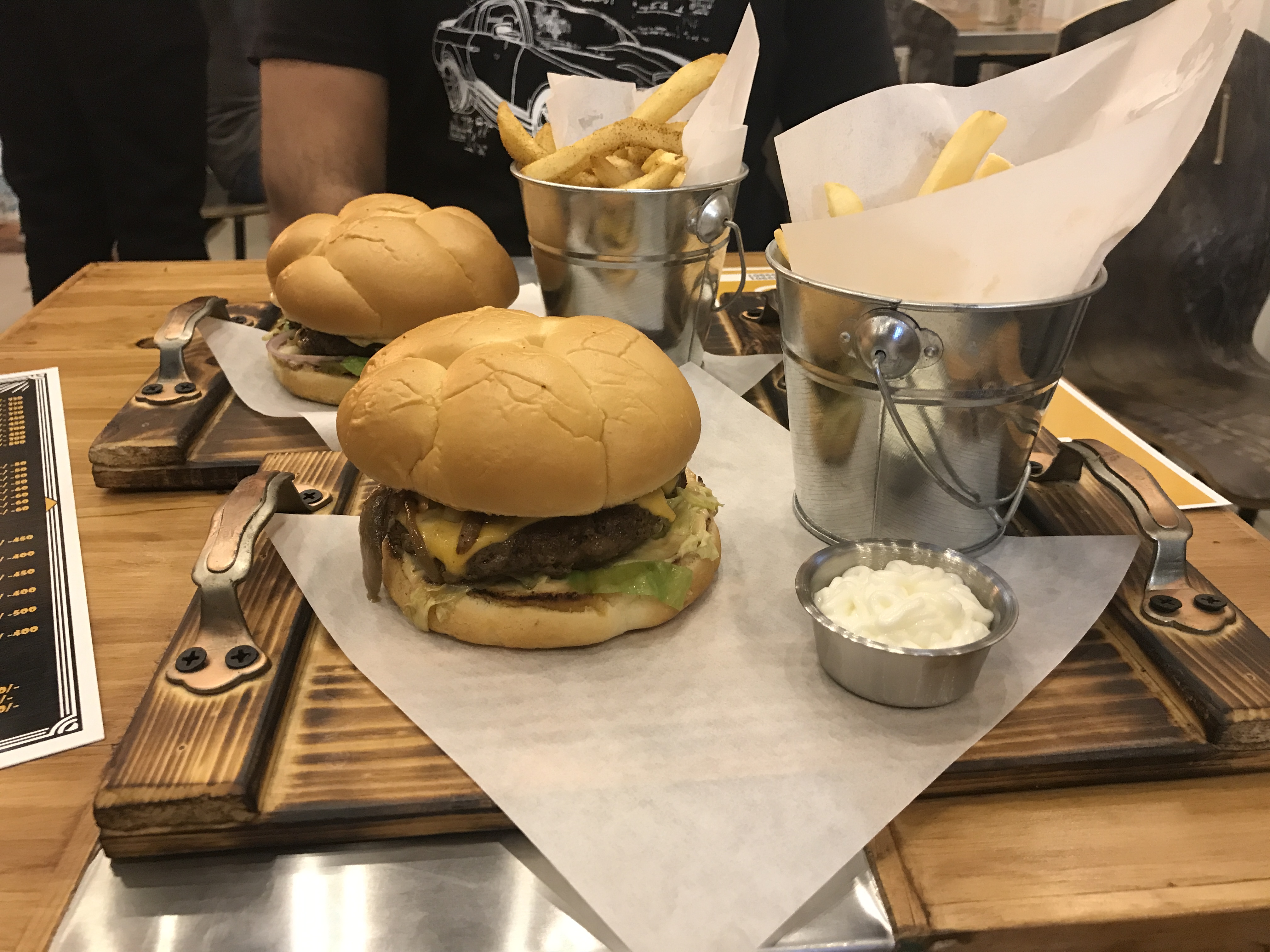Ministry of burgers-2