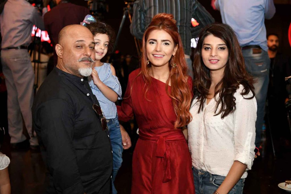 Ali Azmat, Momina Mustehsan and Fariha Khan