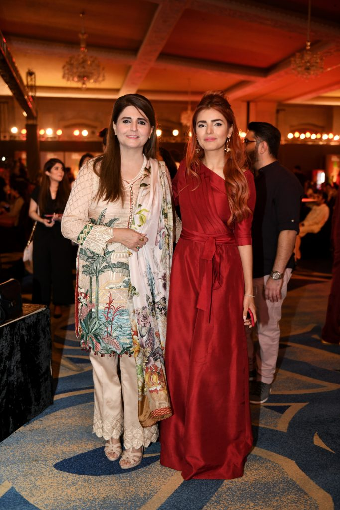 Huma and Momina Mustehsan