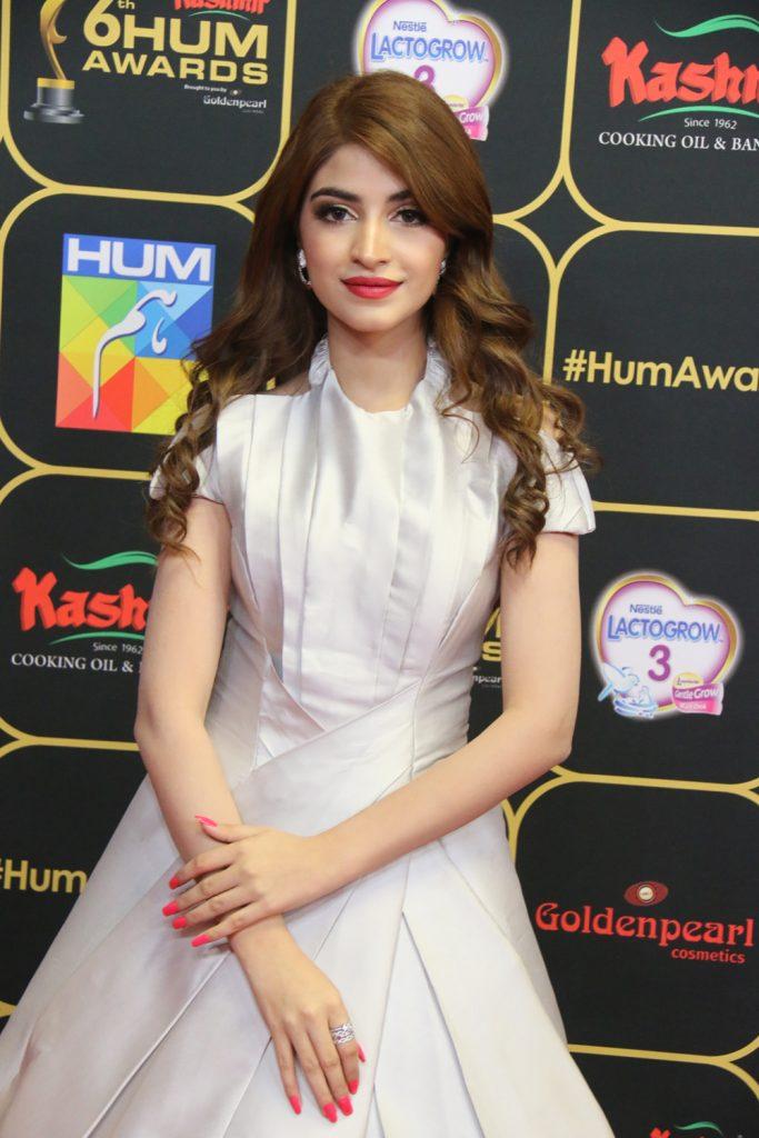 Kinza Hashmi (2)