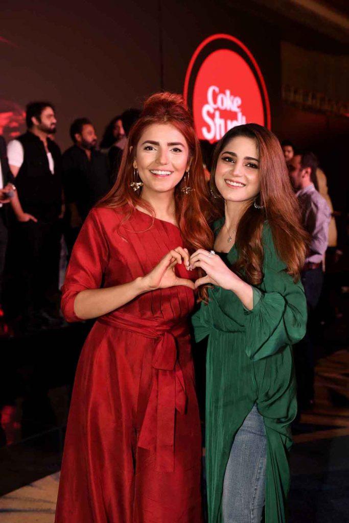 Momina Mustehsan and Aima Baig (1)