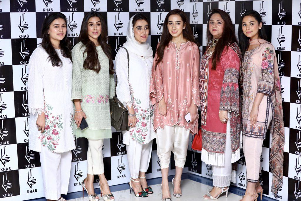 Manal Shoib, Hina Shoib, Rabia Hamid, Jannat hamid, Amna Khurram and Zimil Mukhtar